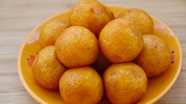 红薯丸子怎么炸才能又软又酥,红薯丸子加什么好吃