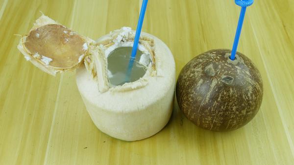 买的椰子怎么打开喝汁 椰子汁有什么功效