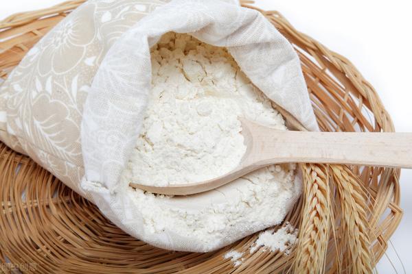 低筋粉和面粉的区别都有哪些呢