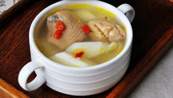 一天中什么时候喝鸡汤比较好,鸡汤什么时候喝最有营养