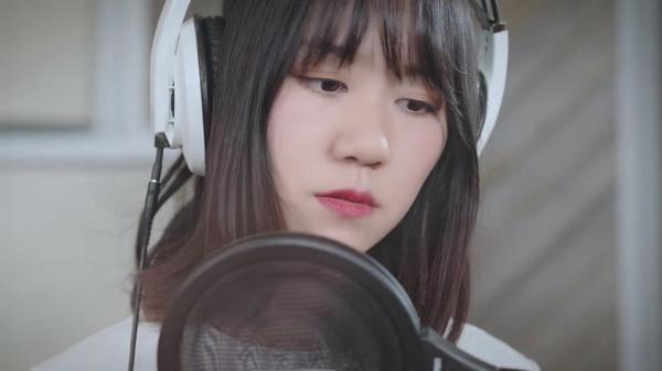 谢春花献唱月圆之夜 参与互动送新专辑CD