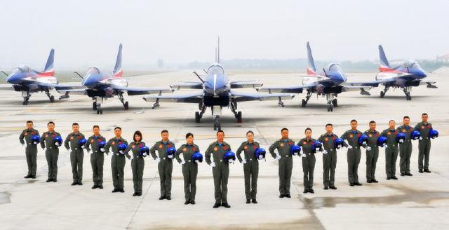 中国空军实力有多强?少将称33个空军师严阵以待