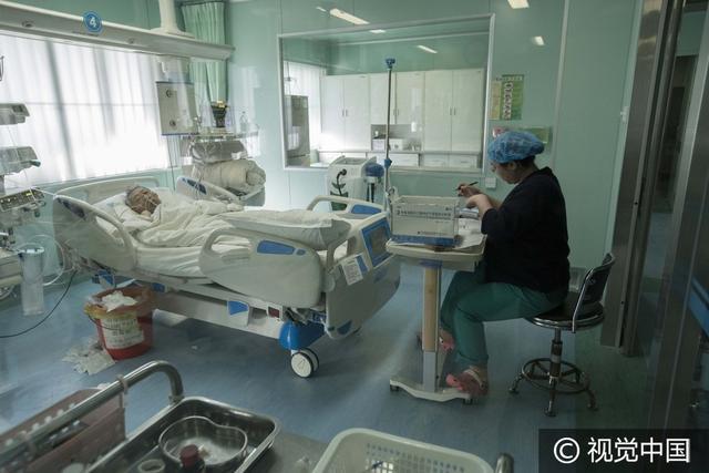小编带你走进生死之门—重症监护室,能活着走出的患者都是幸运