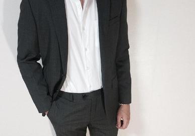 三十岁的男人怎么穿西装?看看肖战就懂了,三套搭配搞定男友穿搭