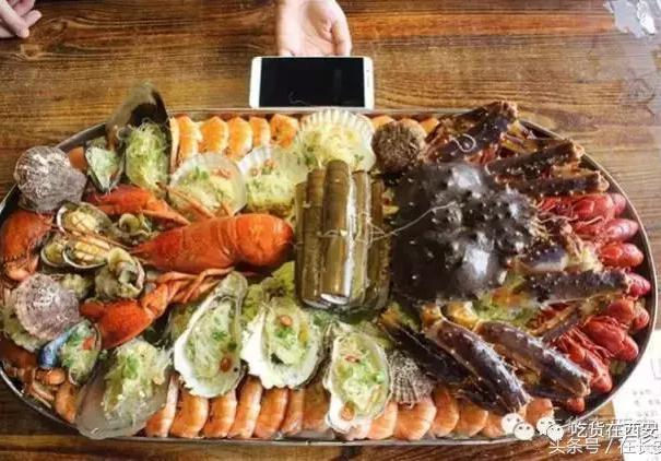 西安性价比第一的海鲜馆?龙虾鲍鱼生蚝都敢点,人均才100左右