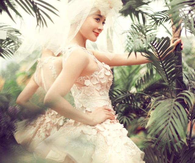 打造专属你的婚纱气质,十二星座最新流行婚礼服款式,不要太美哦!