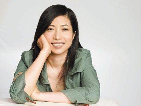 张小娴,上游专访|写了20年爱情的张小娴:我内心也是一个痴情的人