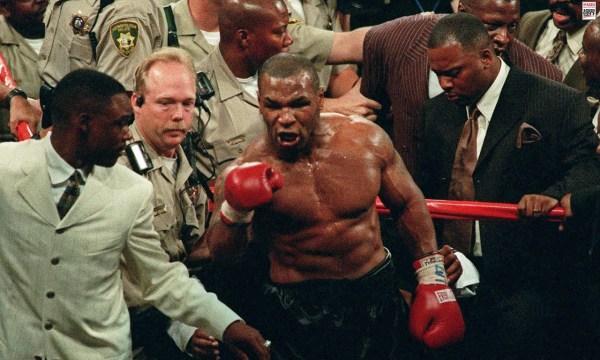 被拳王泰森重拳击中的瞬间什么样?脸部变形,很多选手骨头断裂