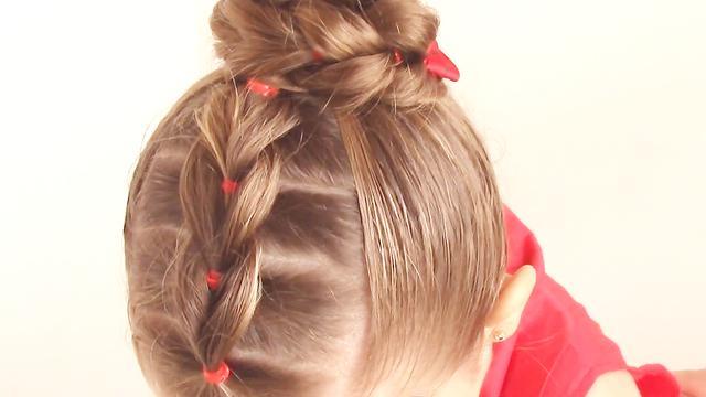 小女孩发型绑扎方法,小女孩甜美丸子头的扎法图解!