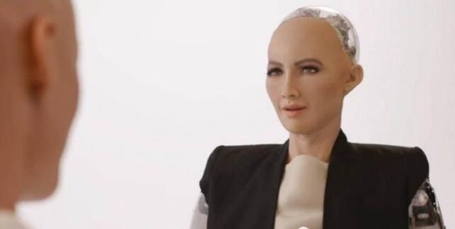 阿尔法蛋智能机器人