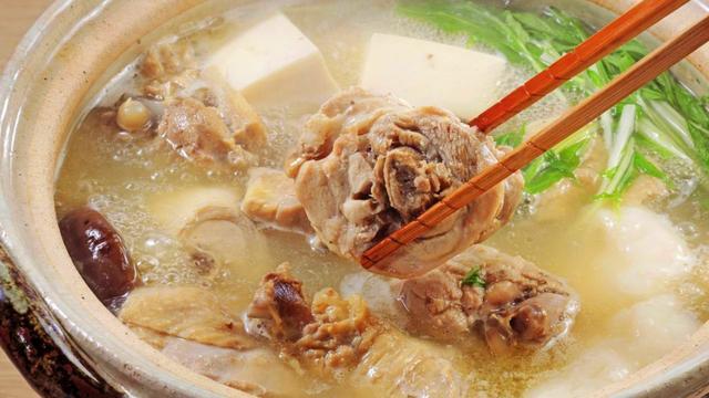 暖心清汤鸡肉火锅的家常做法 - 家常美食网