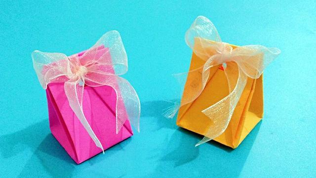 迷你小纸袋折法图解 教你最简单的礼品纸袋子的折法 - 聚巧网