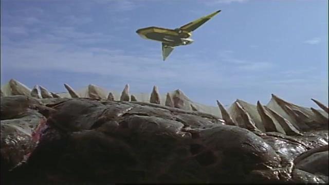 迪迦奥特曼:胜利队在托运怪兽尸体的时候!怪兽竟然复活了!