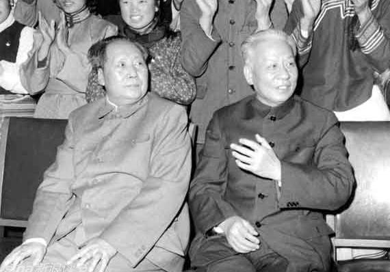 不为人知:刘少奇在代理毛主席职务的时候做了什么?