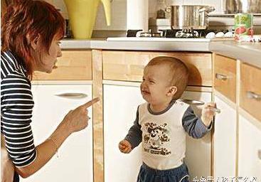金牌调解:夫妻意见不统一,孩子拿菜刀让妈妈砍后爸,太可怕了!