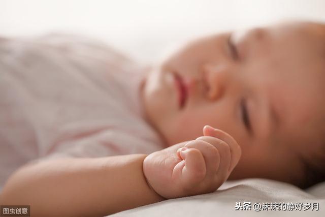 俯睡、仰睡还是侧睡?宝宝睡觉的这些事儿,妈妈要收藏哦