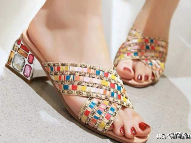 新款ins潮仙女风女凉鞋,提升女人的性感气质!