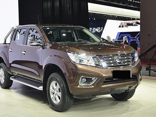 20万的日产皮卡,车长5米2,2.5L+6MT+分时四驱,还买丰田霸道?
