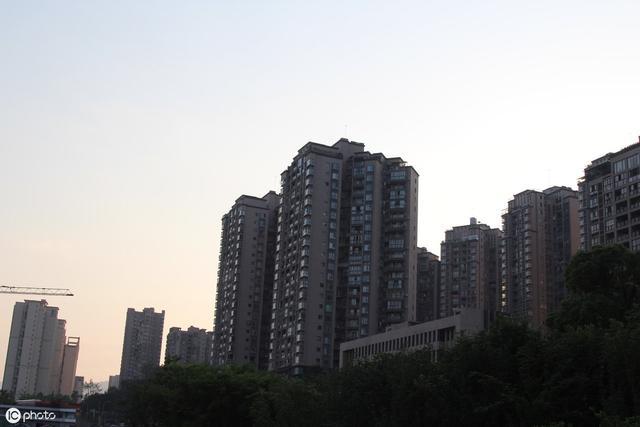 """房产:买房最好不要选择这""""4层楼"""",看网友总结这几点精辟"""