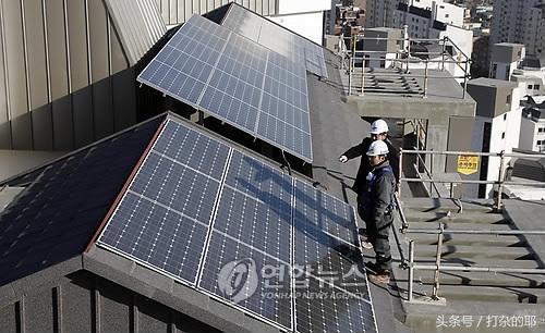 2塊100w太陽能板發電量