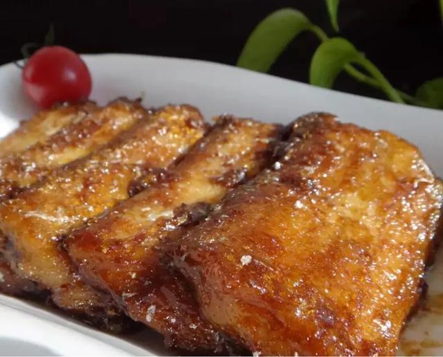 带鱼的3种家常做法,表皮酥脆,肉质鲜美,很适合过年吃