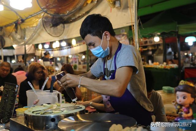 在曼谷想要吃地道的泰国美食,新火车夜市可以去看看,附带攻略