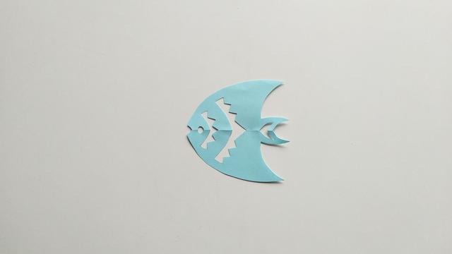 第四章:六个简单的轴对称剪纸带你掌握剪纸的基本剪法与技巧