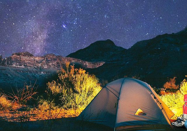 简约但不失档次且适合依山而建的圆顶帐篷露营酒店住宿度假小屋