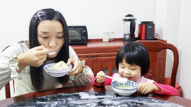 【步骤图】鲜人参鸡汤的做法_鲜人参鸡汤的做法步骤_菜谱_下厨房