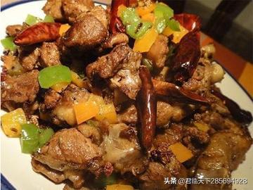 美食推荐:蓝黑鸭、菌肥肠黑鸡、干锅麻辣排骨制作方法君临天下28