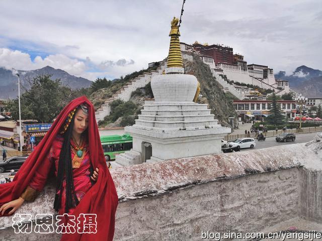 西藏拉萨藏族美女