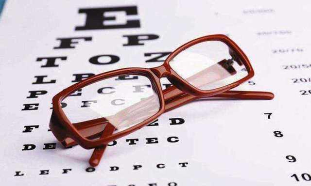 运动时戴眼镜,你需要注意以下几点