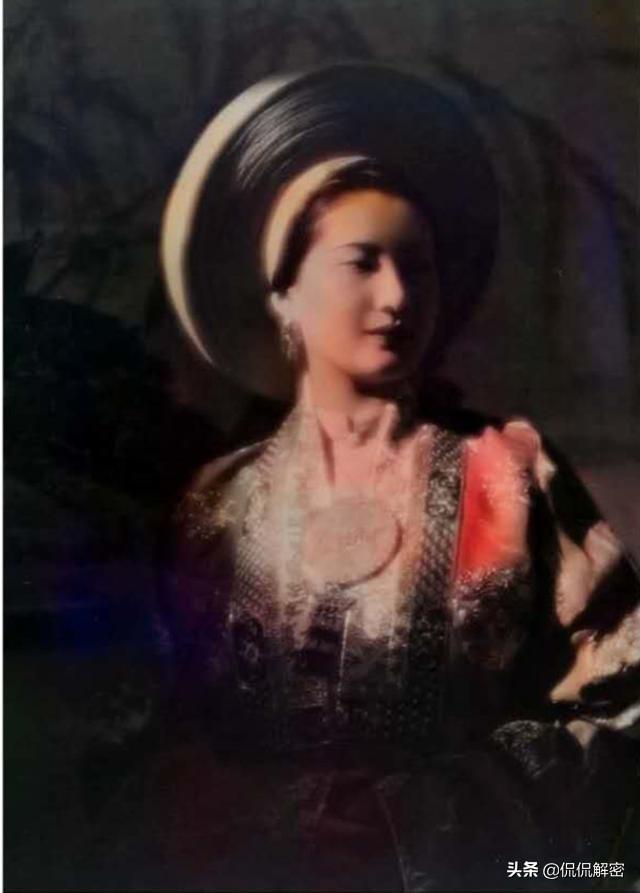 中国和越南末代皇后对比照:婉容要漂亮几分,但结局却是凄惨几倍