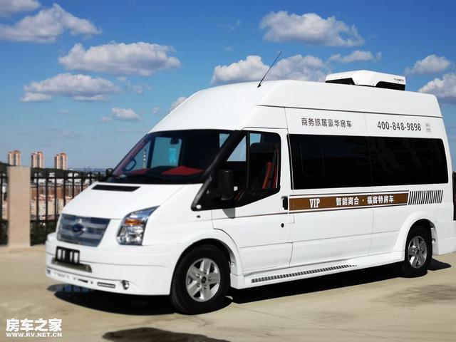 """车内没有床也能叫""""房车""""?全新设计理念——江铃福特旅居房车"""