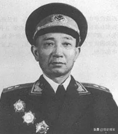 从大渡河勇士中走出的开国中将,刘伯承徐向前帐下的虎将,后来成为我国首个导弹基地司令