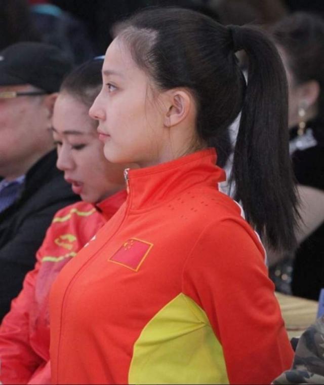 她被称为中国艺术体操女神,因为一张照片走红,如今已是教练
