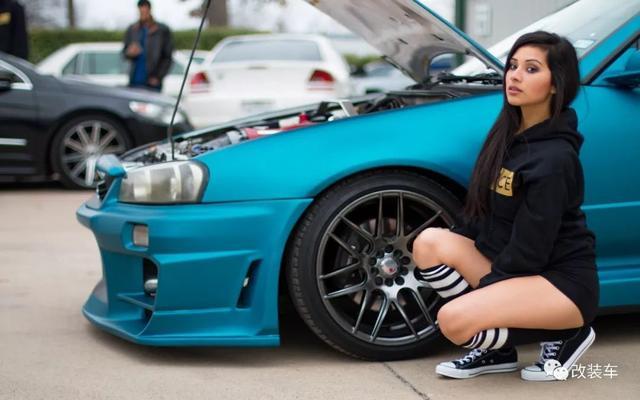 小姐姐将酷熊改成丰田bB的模样 完美诠释了改装并非男性专利改装车