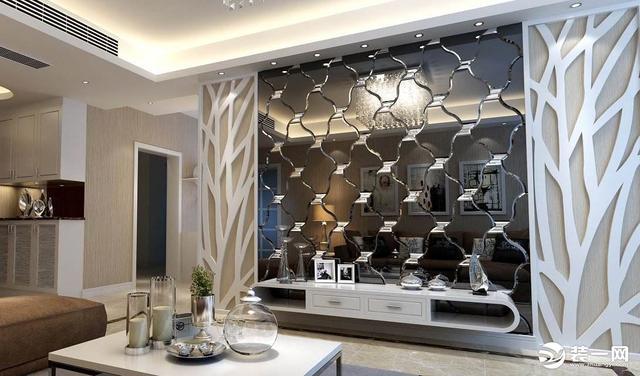 武汉融侨悦府D1户型,简约风格89平米三居室,餐厅的玻璃镜面背景墙设计的不错