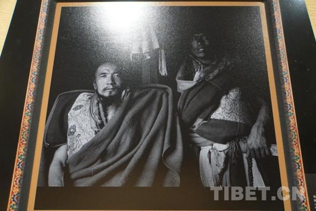 西藏喇嘛朝圣意境图片