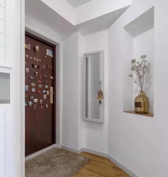 二居室创意设计现代古典风格 复古电视背景墙才是点睛之笔