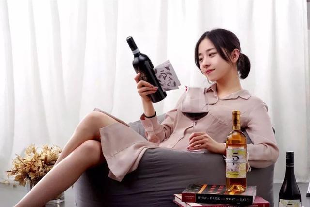 11月月酒 | 两支勃艮第神韵,竟来自世界两端?