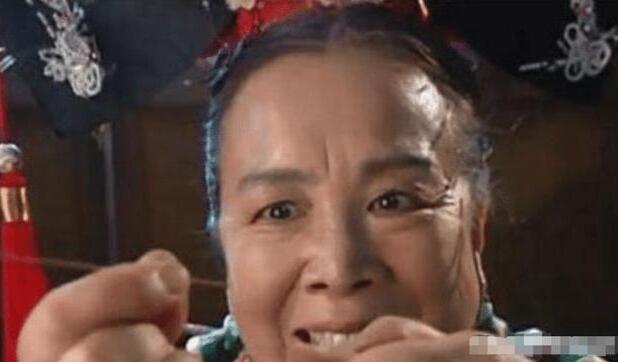 """《还珠》里面目狰狞的""""容嬷嬷""""李明启,年轻时被网友赞:美过刘亦菲"""