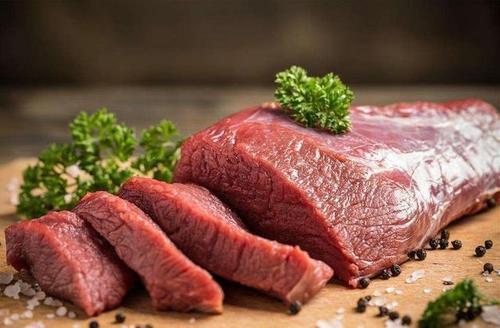 """""""假牛肉""""怎么制作出来的?网友:日常吃到牛肉可能是假的"""
