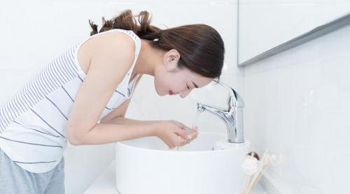 皮炎湿疹症状图片