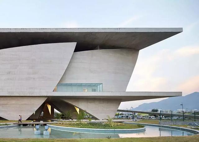 巴西的著名建筑和景点有哪些要很著名的,详细