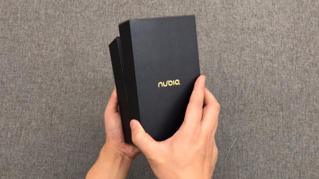 努比亞雙面屏