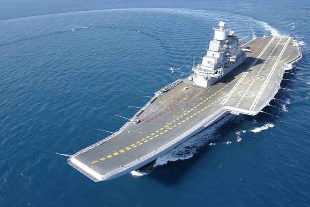 印度-维克拉玛蒂亚号航空母舰