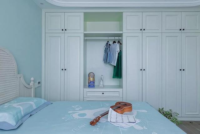 卧室装白色衣柜,优雅大方,舒适明亮!
