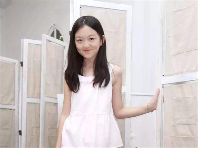 Photoshop绘制可爱的小女孩自画像 - PS转载教程区 - 思缘论...