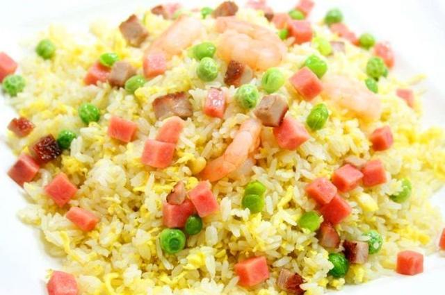 蛋炒饭是先炒蛋还是先炒米?大厨教你正确做法,粒粒不粘连,真香